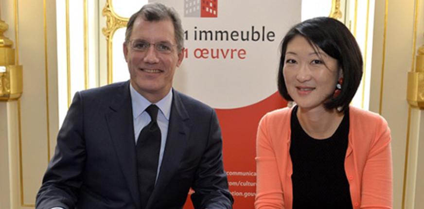 Signature de la charte 1 immeuble, 1 oeuvre : Laurent Dumas et Fleur Pellerin