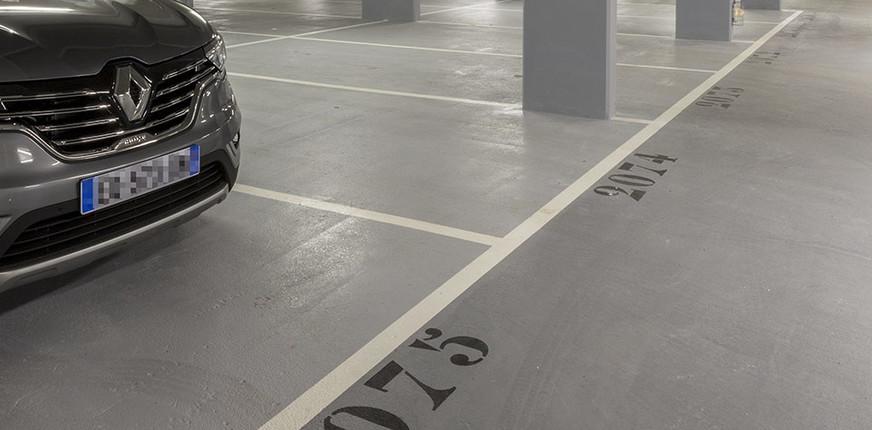 57 Commandant Mouchotte à Saint-Mandé : parking