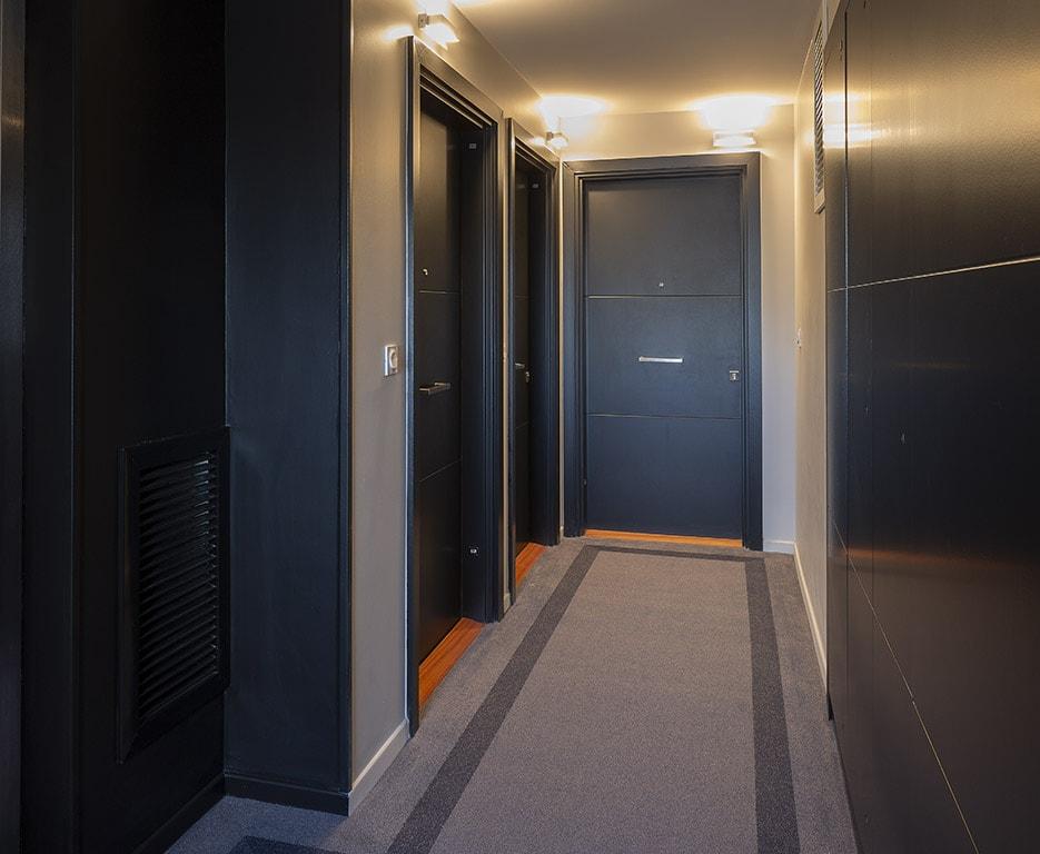 Variations à Vitry-sur-Seine : livraison de l'immeuble Kopo (palier)