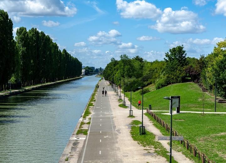 Le canal de l'Ourcq à Bobigny